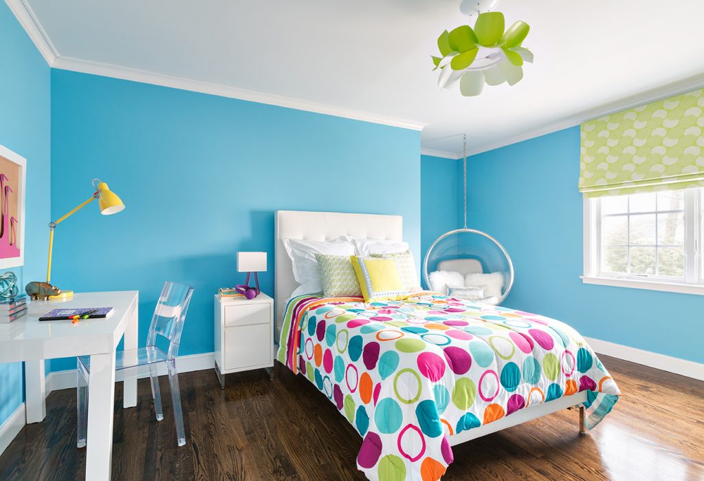 Для интерьера детской спальни подойдут яркие, сочные цвета
