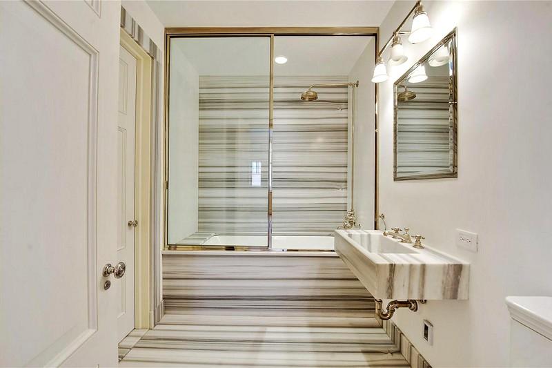 Замечательный-дизайн-для-небольшой-ванной-комнаты