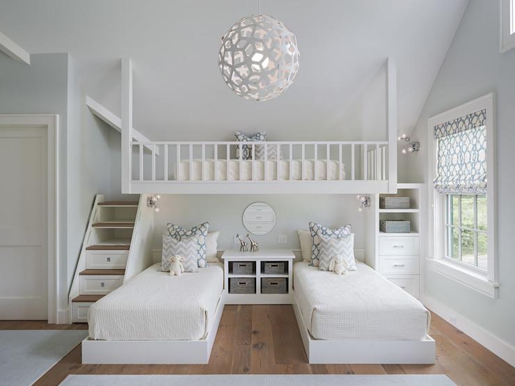 Идеальный дизайн спальни для двух девочек в белом цвете
