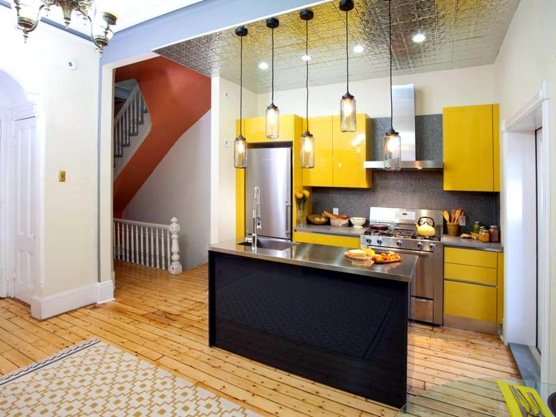 Интерьер кухни в желтом цвете