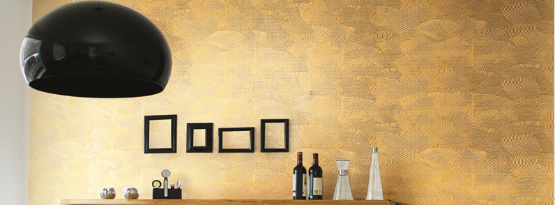 Мультидекор, отделка стены в бронзовом цвете