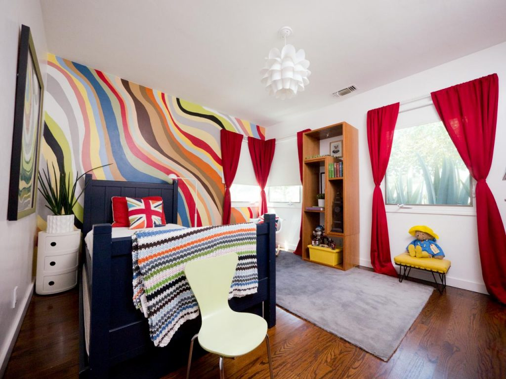 Необычное оформление спальни для маленькой девочки