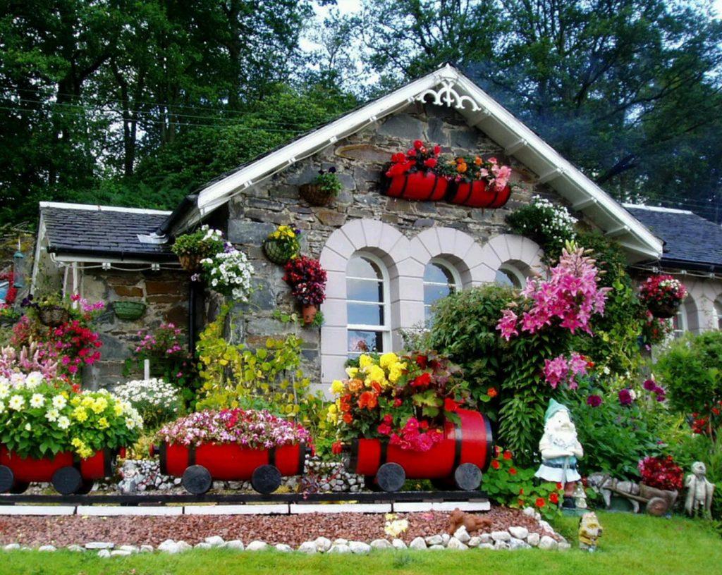 Праздничное оформление дома