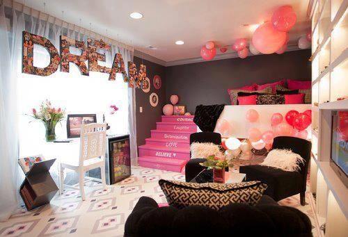 Розово-черная спальня для девочек 12 лет