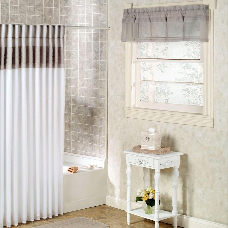 Роскошный дизайн для небольшой ванной комнаты