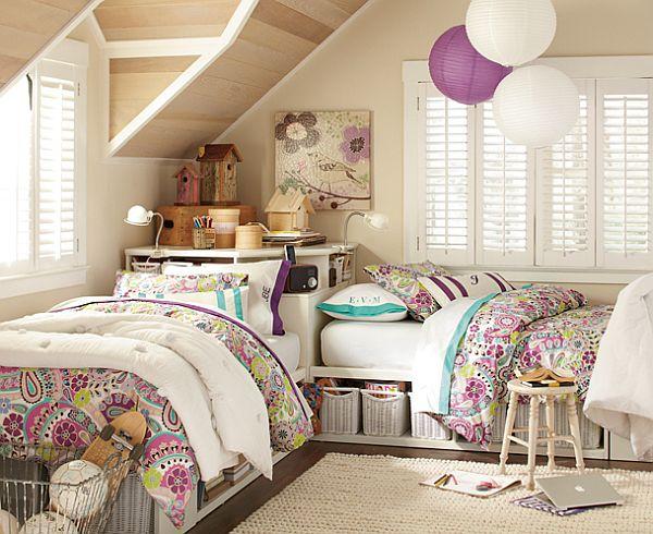 Спальня на мансарде для двух маленьких девочек