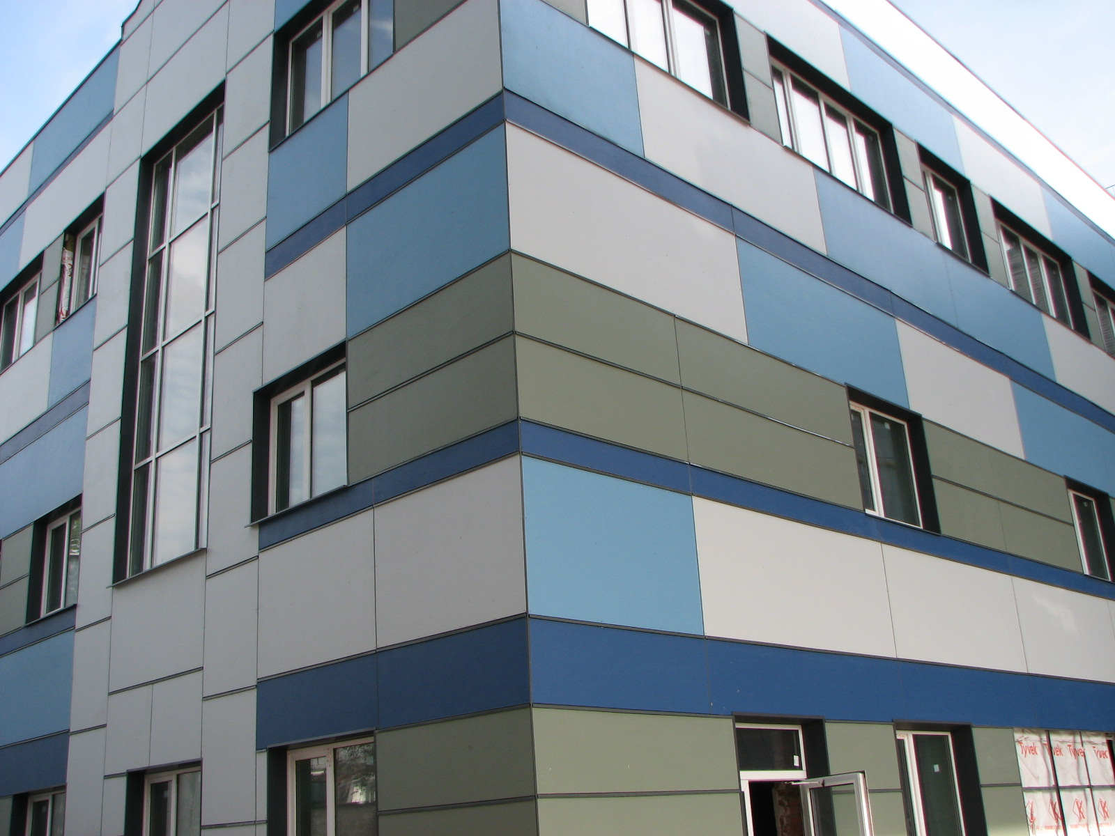 Облицовки фасадов фиброцементными панелями