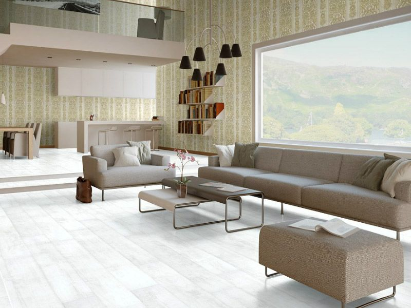 Качественный белый ламинат в интерьере гостиной