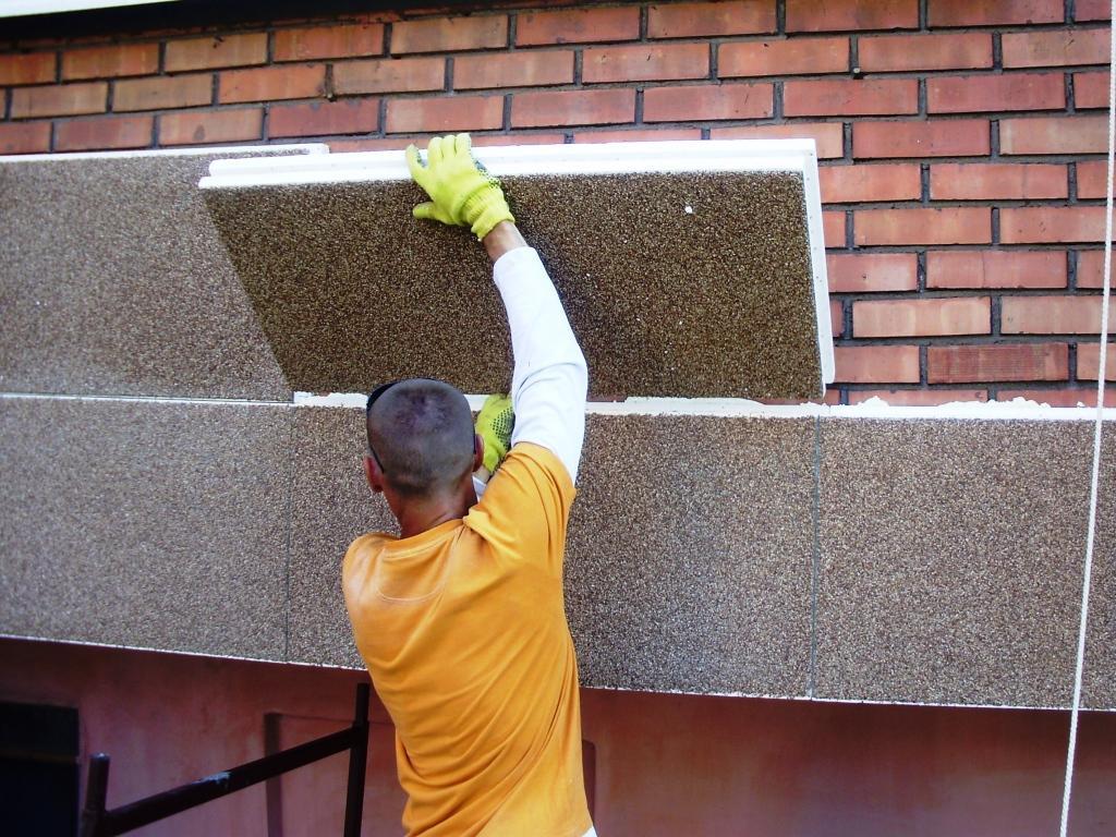 Крепление декоративных панелей к стенам дома