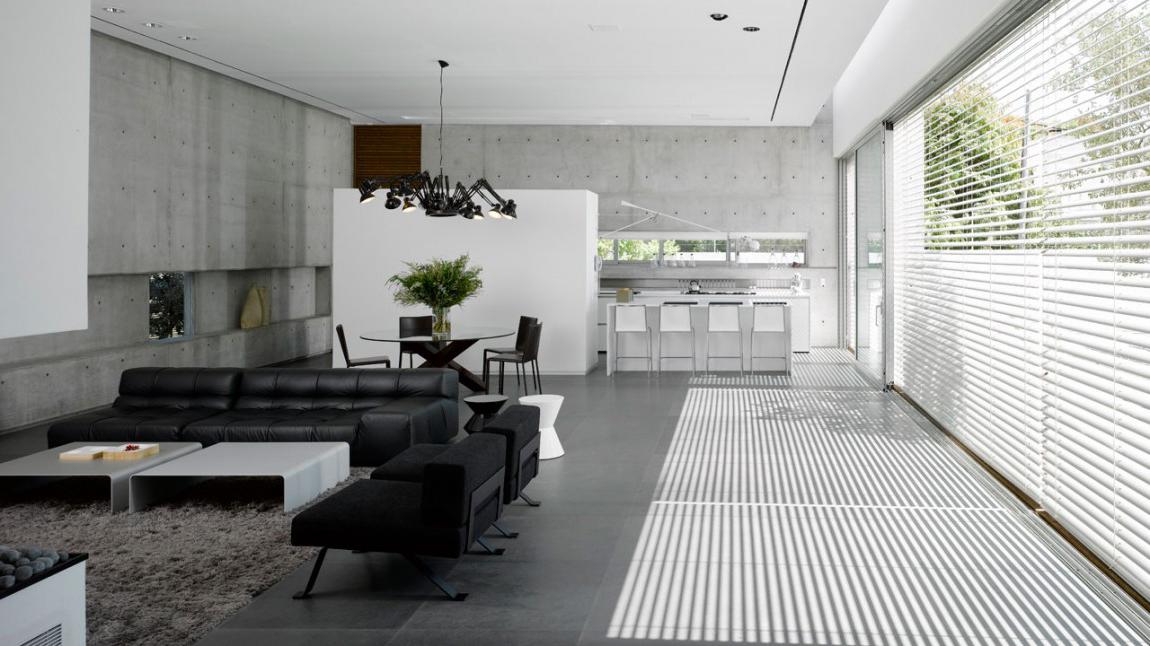 Оформление интерьера частного дома в черно-белых тонах