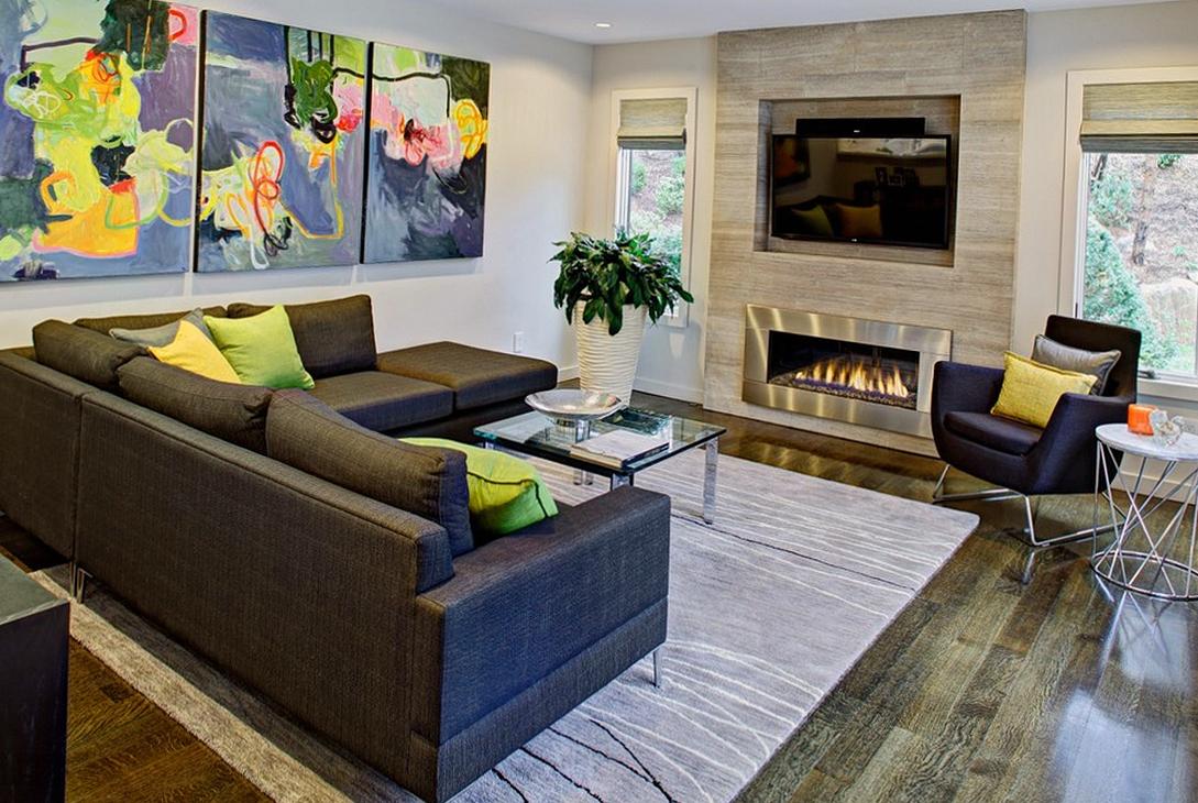 Интерьер гостиной с камином в стиле хай-тек