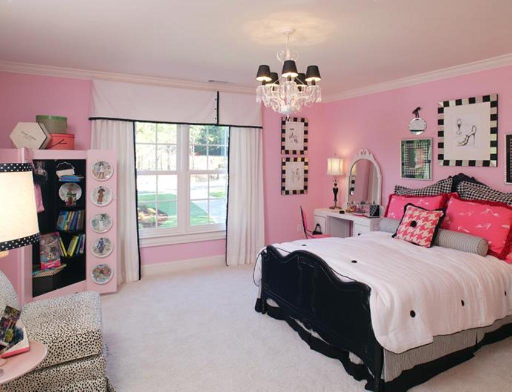 Просторная комната для девочки-подростка