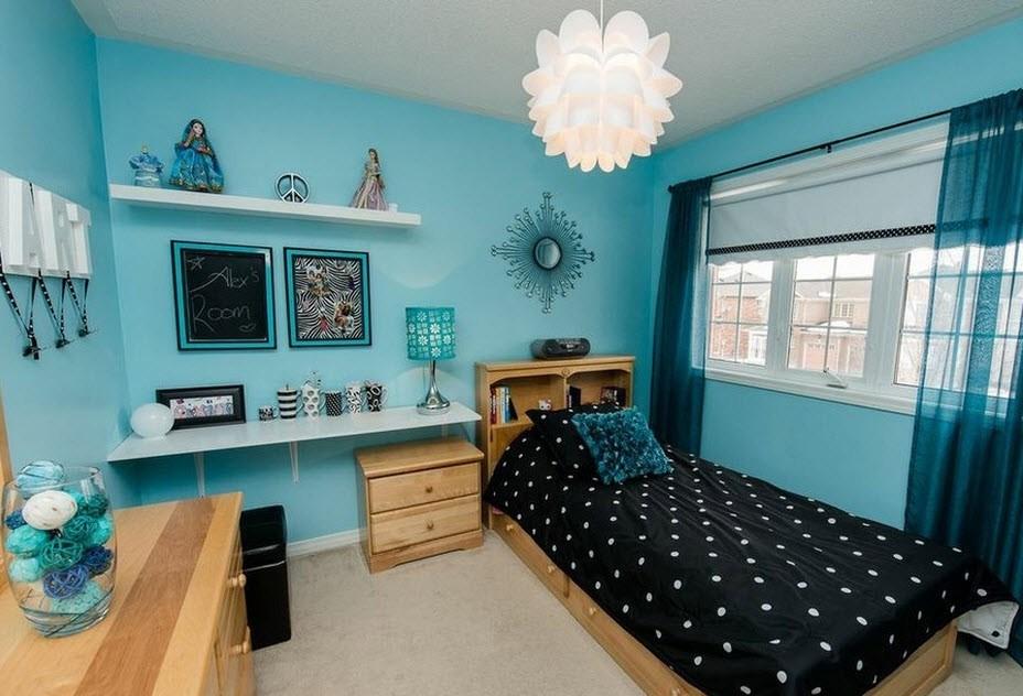 Подрастковая комната в голубых тонах