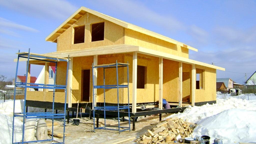 Дачный дом из СИП панелей с мансардой