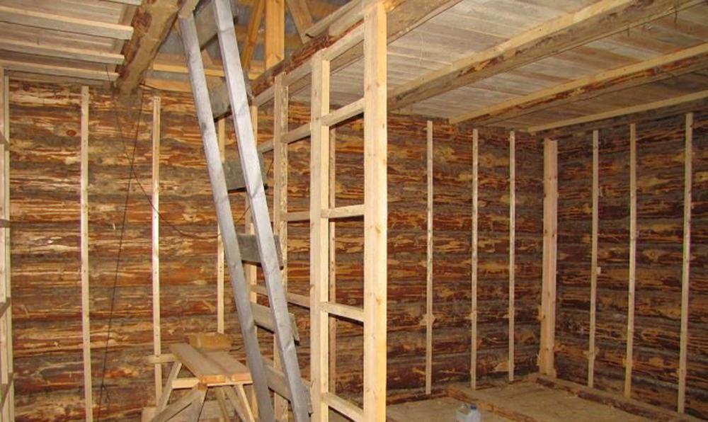 Установка обрешетки из деревянного бруса