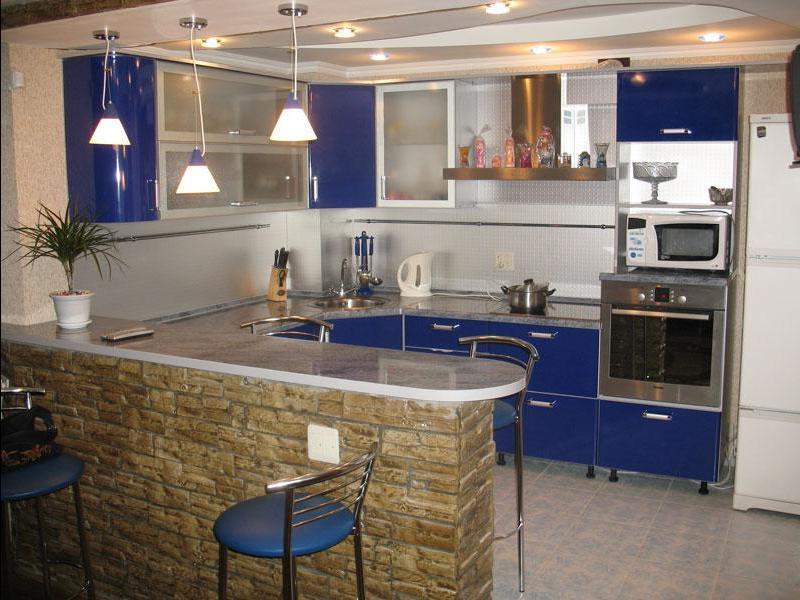 Использование барной стойки в интерьере маленькой кухни