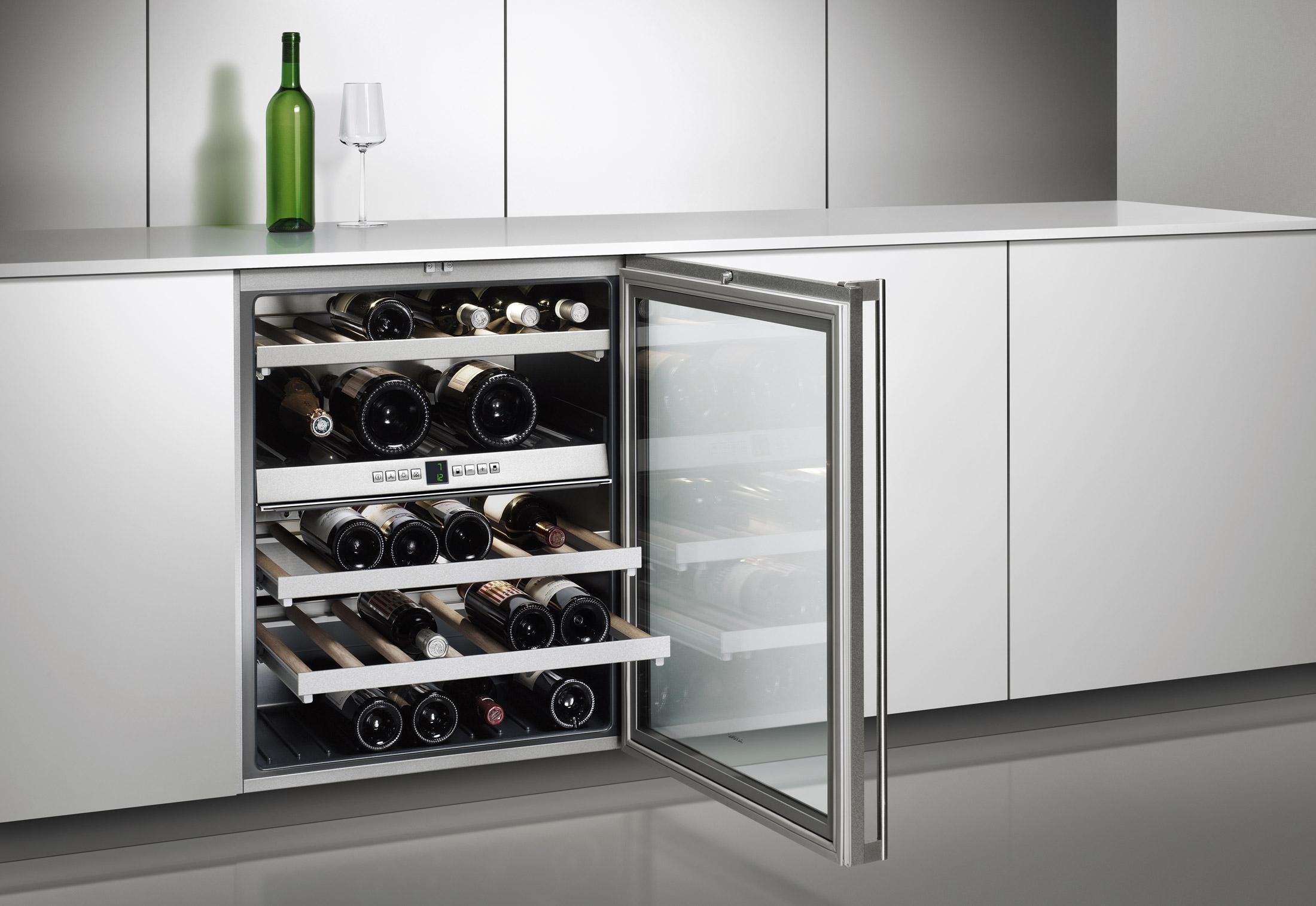 При выборе подходящего винного холодильника необходимо определить количество свободного пространства