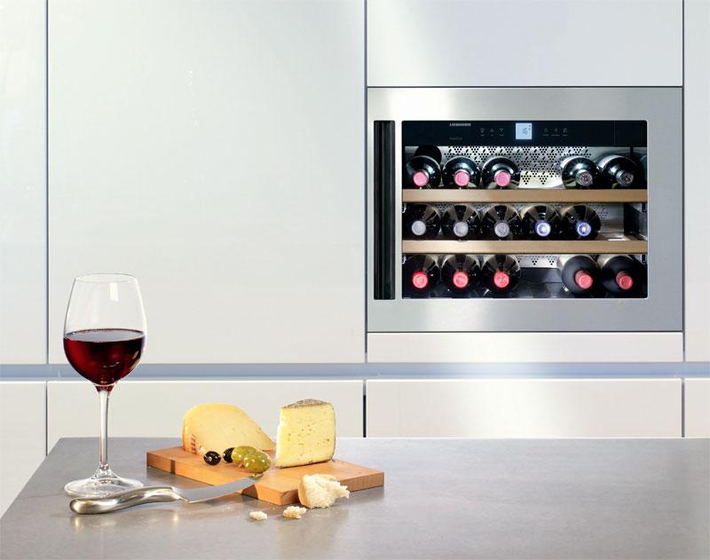 Выбирать винный холодильник нужно очень тщательно