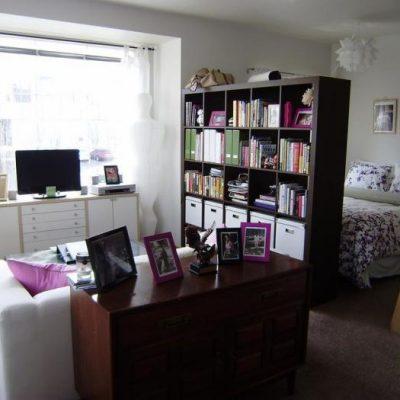 Дизайн комнаты, разделенной мебелью