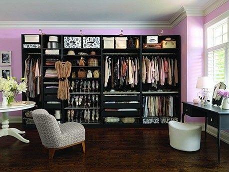 Черно-розовая гардеробная для женщин