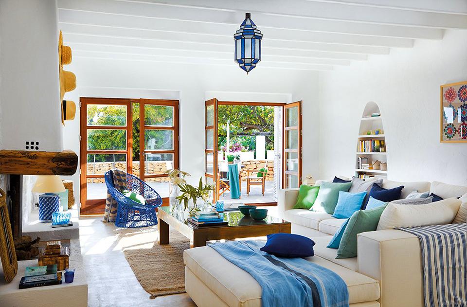 Дизайн внутри частного деревенского дома в средиземноморском стиле
