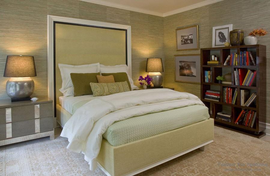 Комфортная спальня в бамбуковом обрамлении