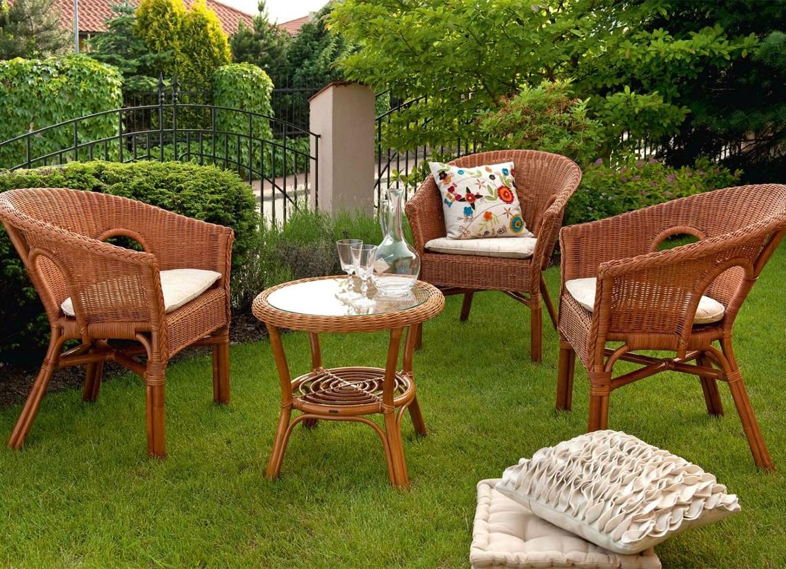 Плетенная садовая мебель