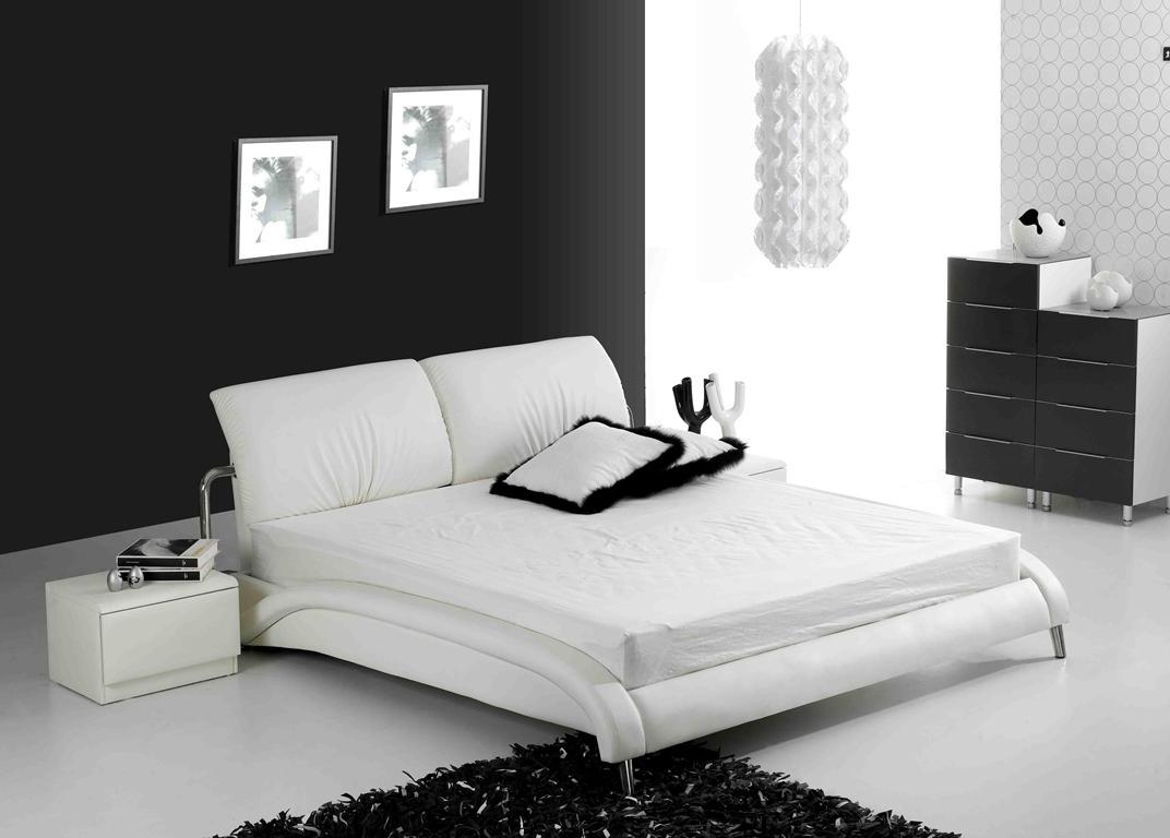 В спальне обязательно должны присутствовать кровати-татами и низкие тумбы-татами