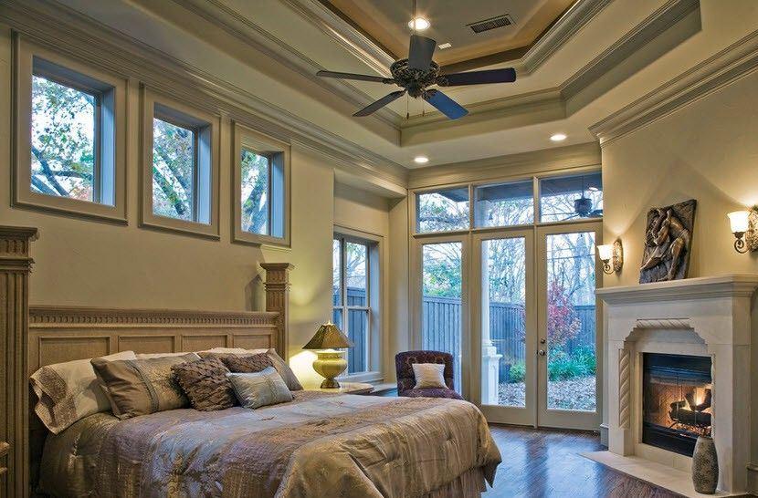 Покрывала на кроватях и креслах должны быть простыми