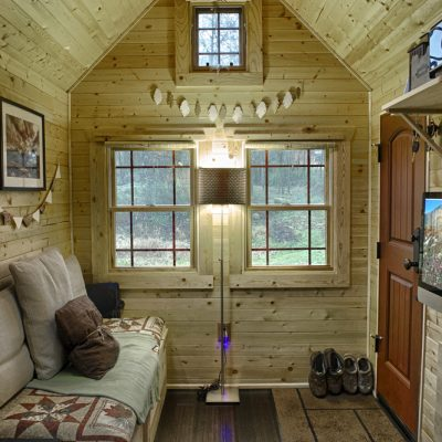 Маленькая гостиная на даче