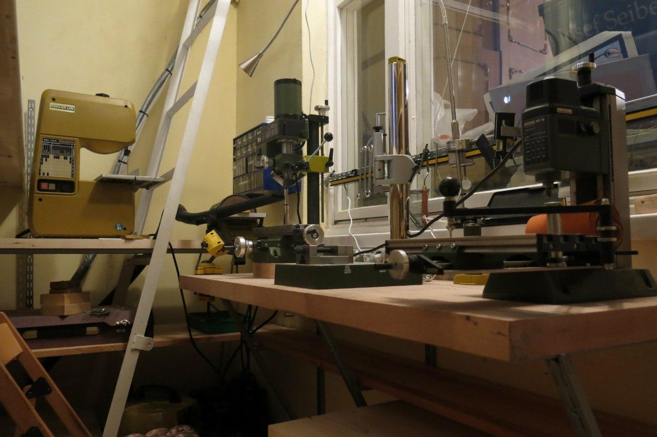 Удобная рабочая мастерская на балконе
