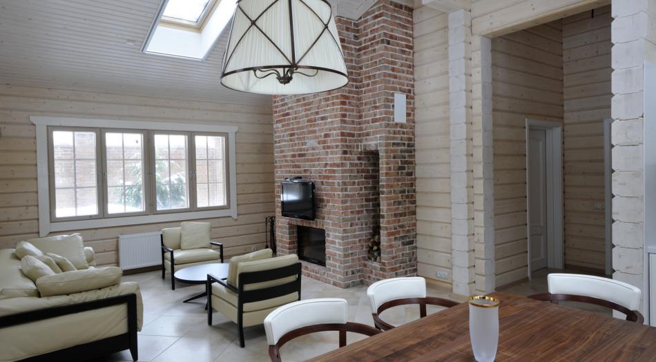 Оформление интерьера внутри дачного дома в светлых тонах