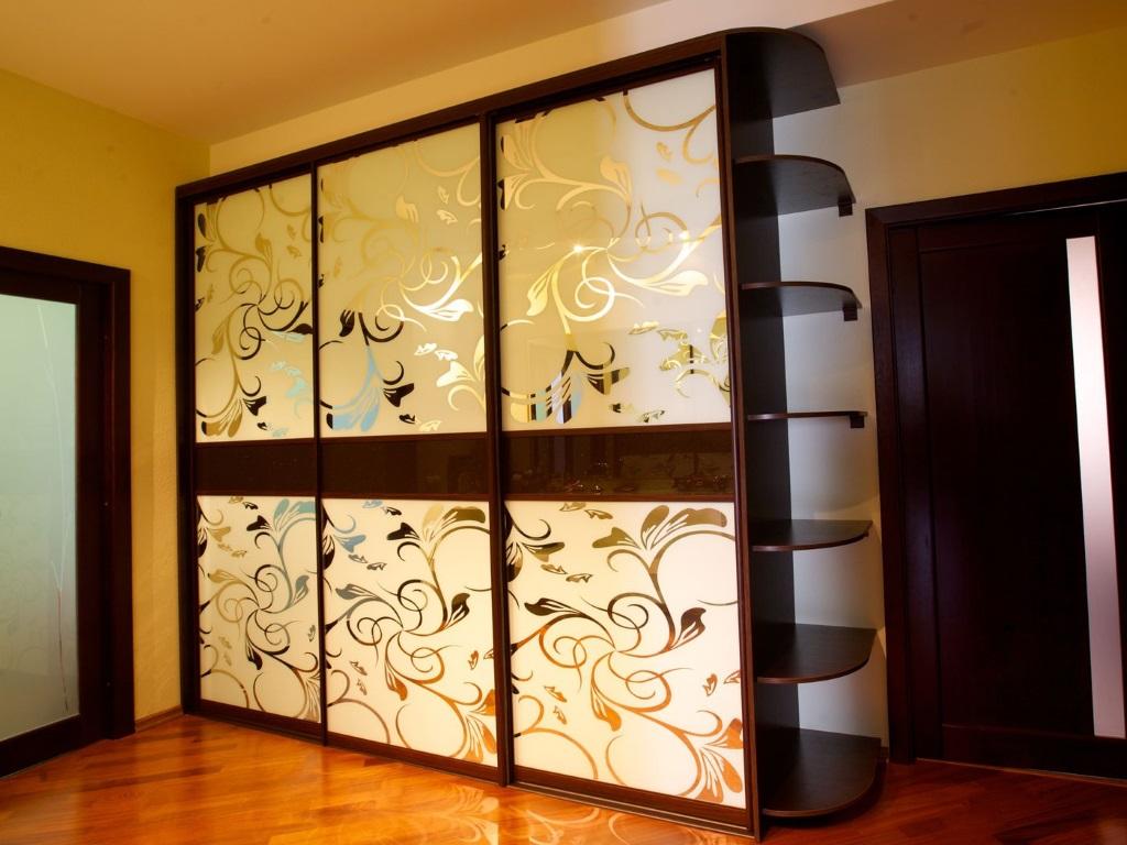 Встроенный шкаф-купе необходим для экономии пространства