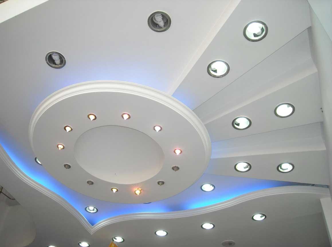 Монтаж потолков из гипсокартона для спальни: примеры и фото