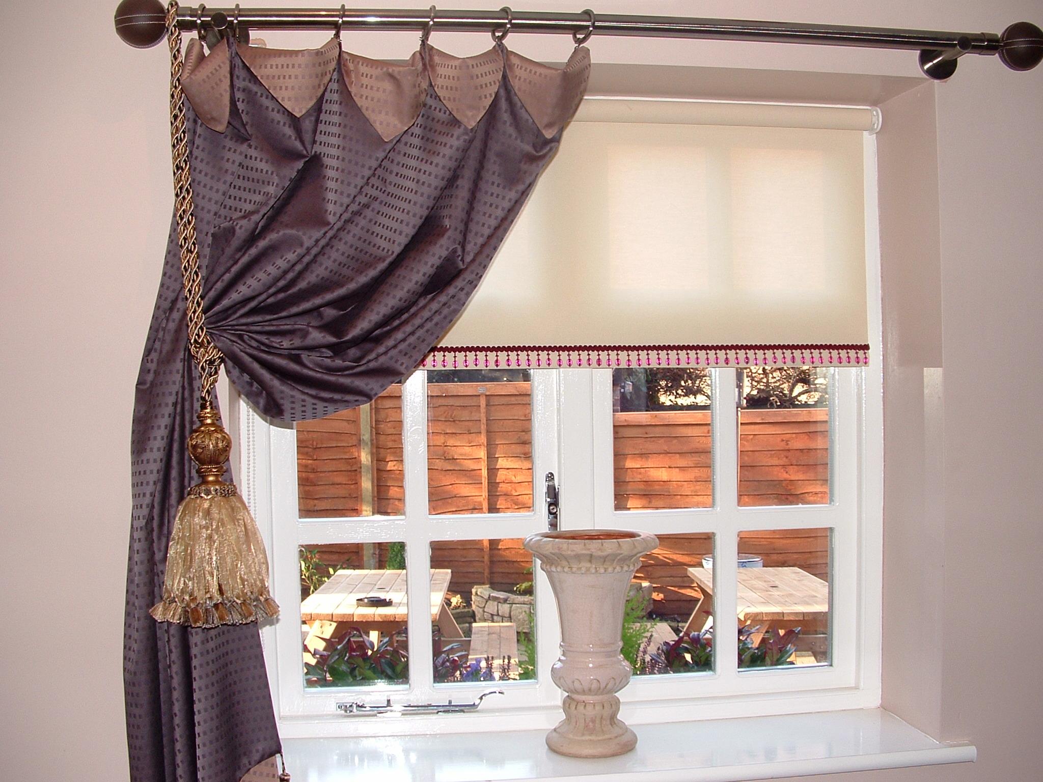 Как повесить шторы на шторной ленте на карниз, видео инструк.