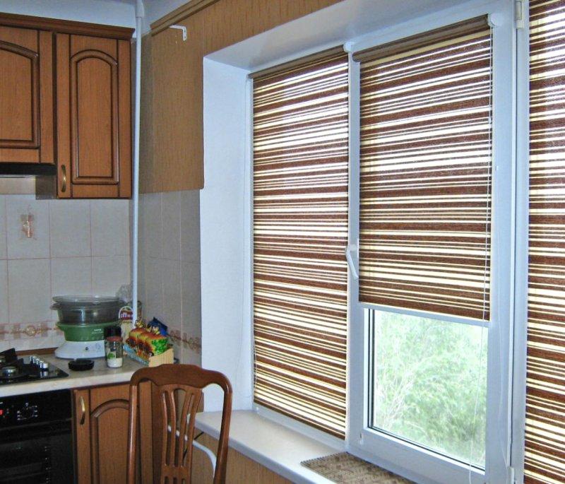 Рулонные шторы на кухню: фото и рекомендации по выбору