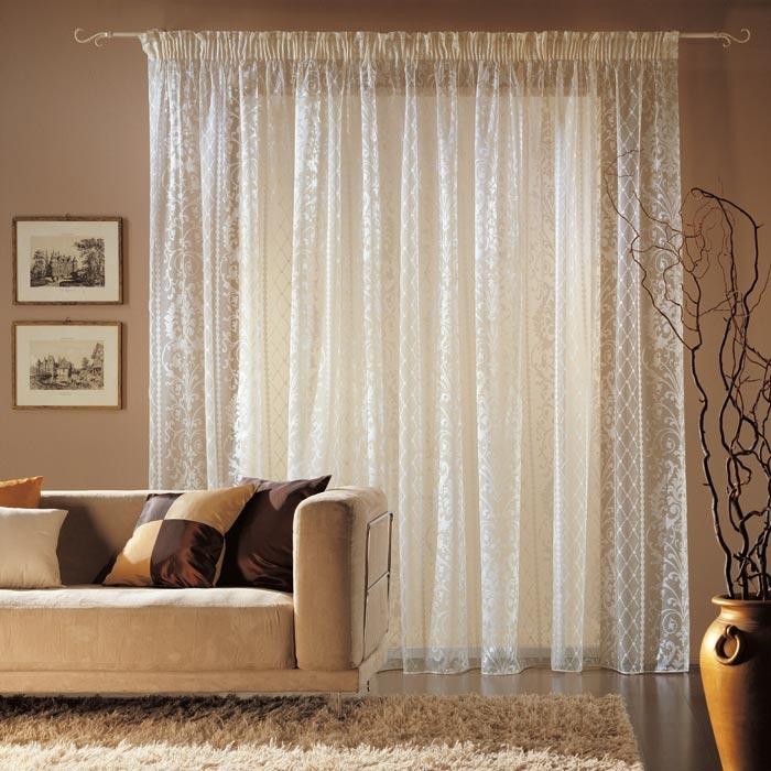 Тюль в гостиной – фото занавесок в современном стиле