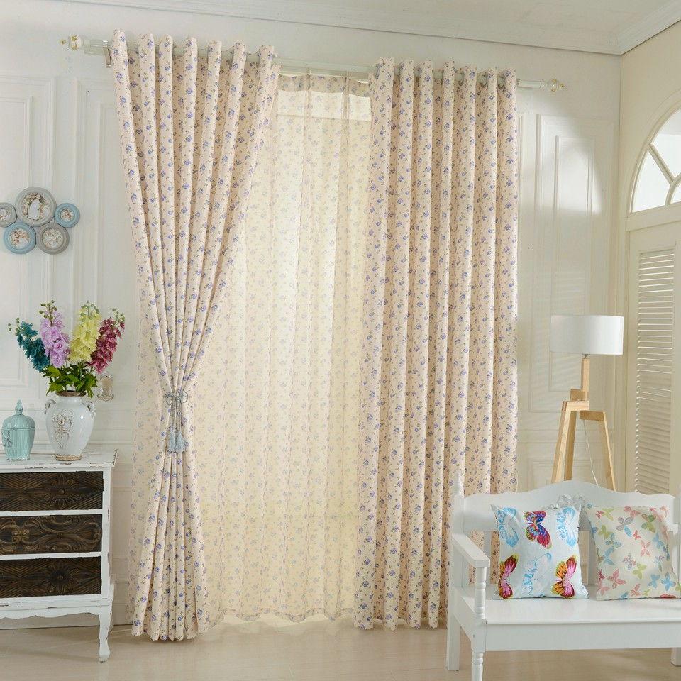 Ситцевые шторы с мелким цветочным орнаментом создадут хорошее настроение у малыша