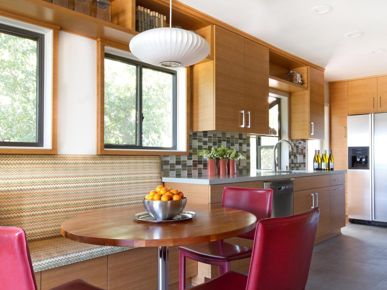 Для кухни в минималистическом стиле идеально подойдут оконные жалюзи