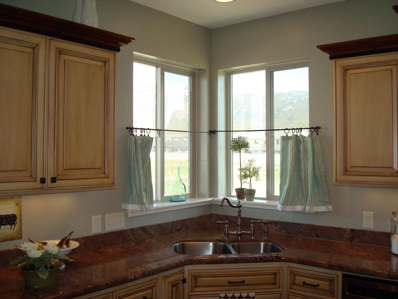Красивые и удобные окна для кухни – залог хорошего настроения каждой хозяйки