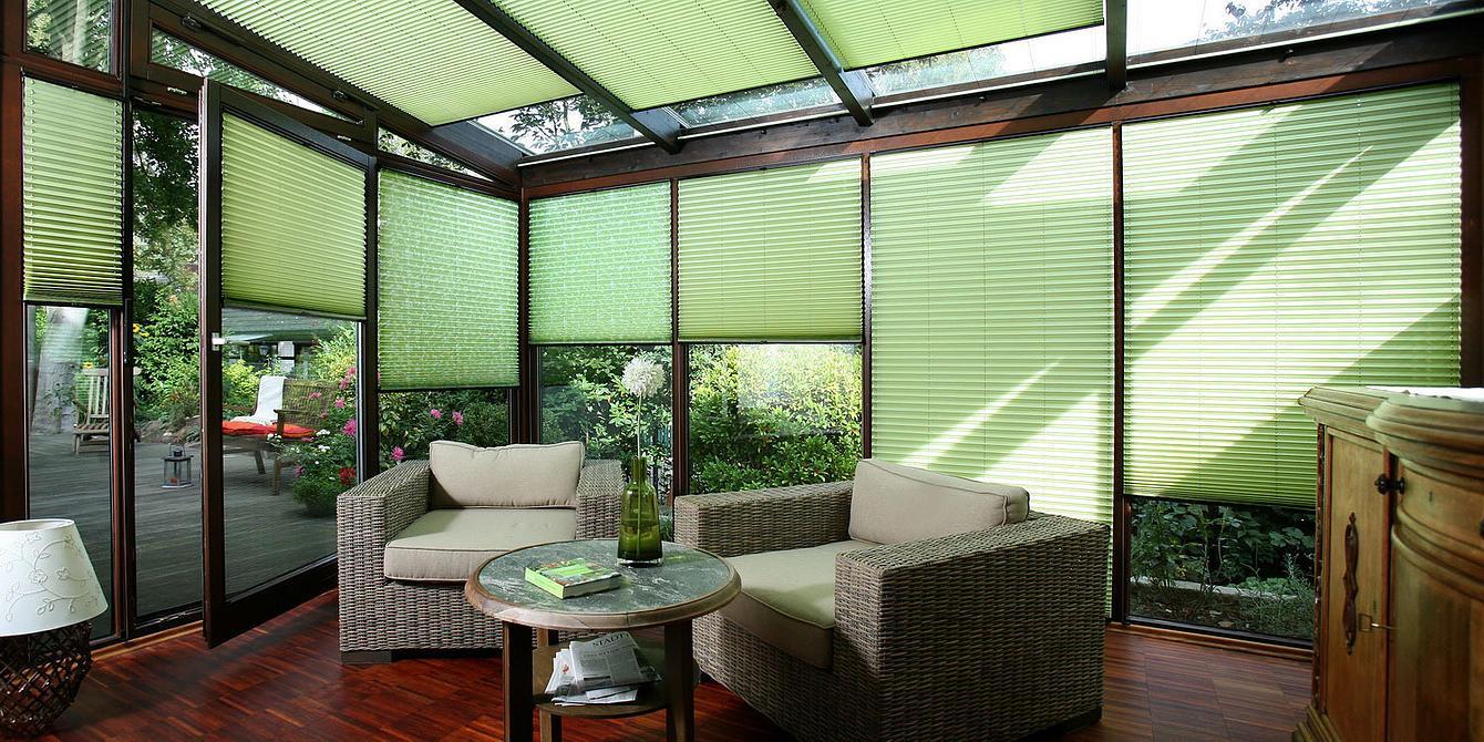 Использование шторы плиссе на пластиковых окнах и уход за ними – фото идей