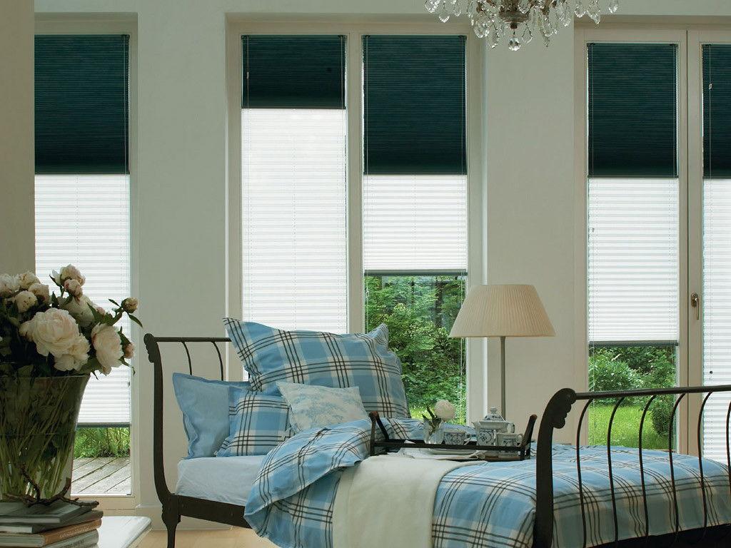 Комбинируйте разные типы штор плиссе для достижения нужной степени освещенности