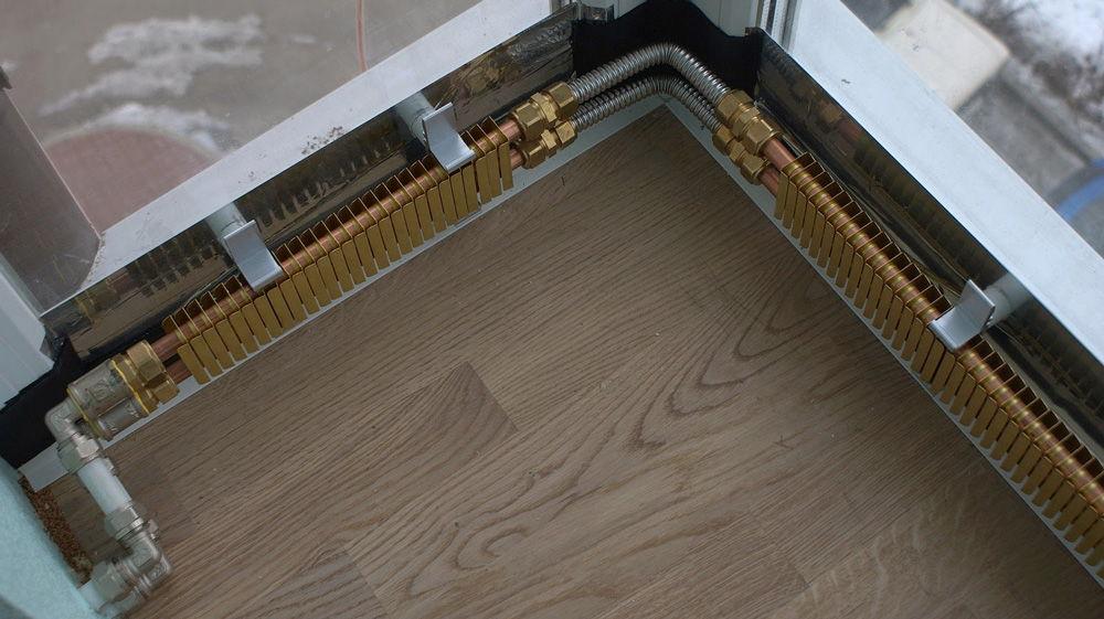 Трубы из гофрированной нержавеющей стали — простой и надежный способ соединения элементов внутриплинтусного отопления