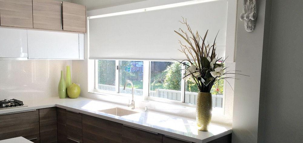 Рулонные шторы – удачный выбор для кухни