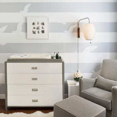 Кресло в интерьере детской комнаты в морском стиле