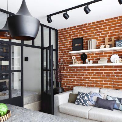 Освещение в небольшой гостиной в стиле лофт
