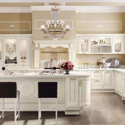 Кухня ампир с богатой отделкой