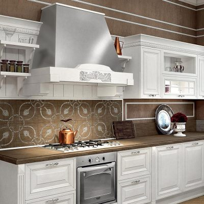 Кухня ампир средней площади