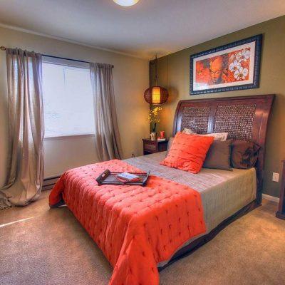 Цветы в спальне фото