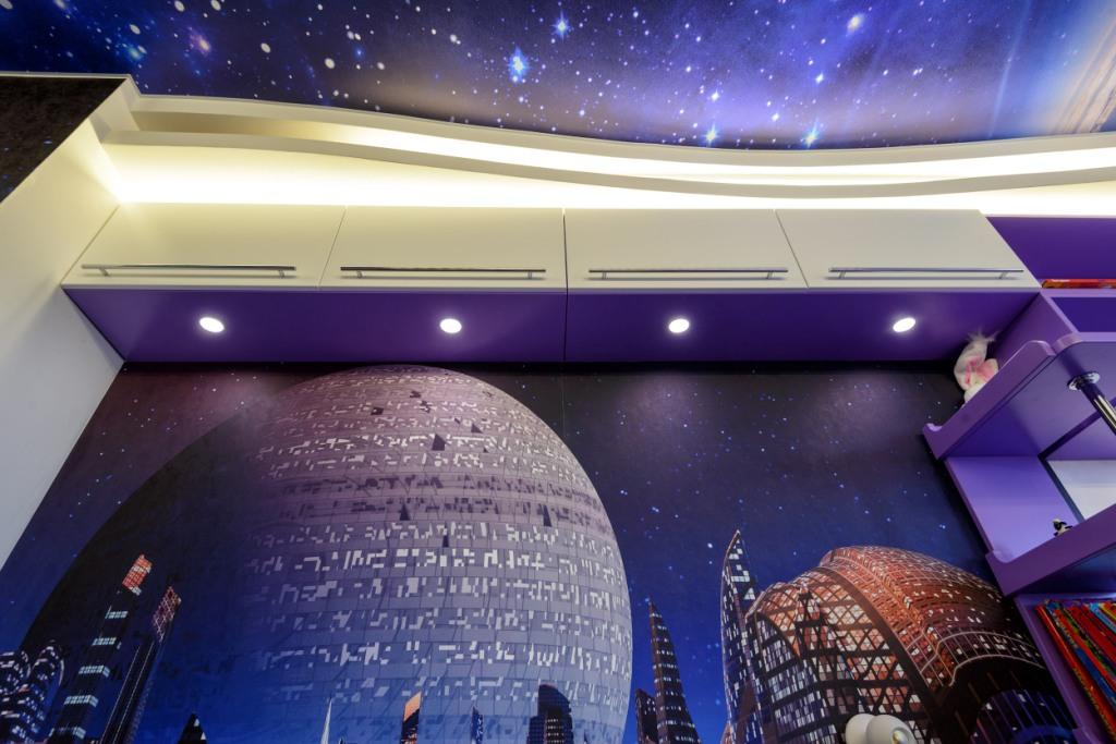 Дизайн комнаты в стиле вселенная